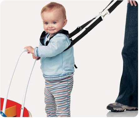 Вожжи необходимы, для поддержания малыша при ходьбе