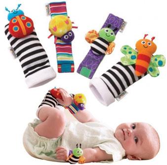 Детские носочки с пришитыми разноцветными мягкими игрушками