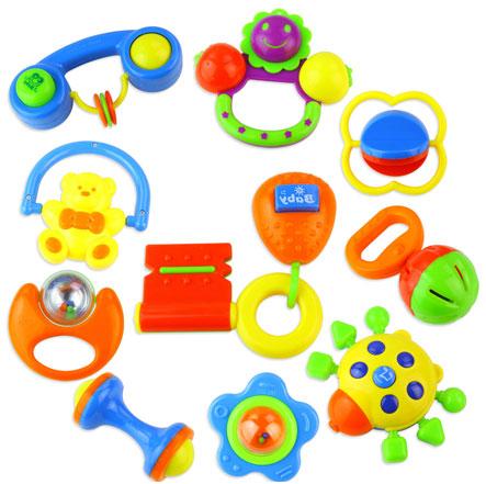 Разной формы и цветовой гаммы погремушки для малышей