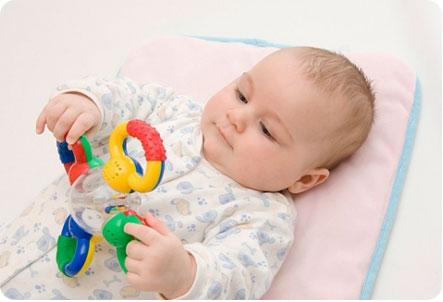 Какой подарок лучше подарить новорожденному мальчику