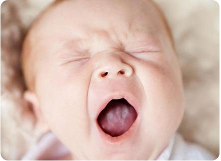 Детская молочница на слизистой рта