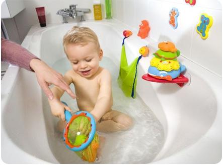 Игрушки для купания в ванной детям
