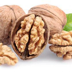 Можно ли есть орехи при кормлении грудью?