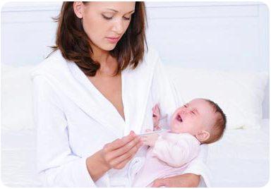 Мама обнаружила у ребенка высокую температуру