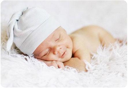 Грудничок спит сладким сном