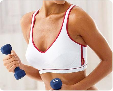 Упражнения с гантелями для восстановления груди после родов
