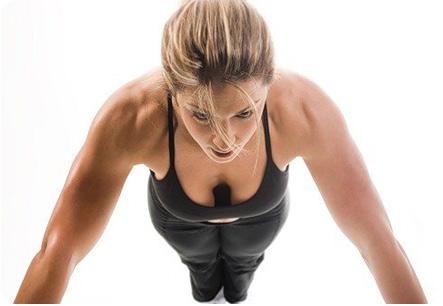 Отжимания хорошо способствуют улучшению формы груди