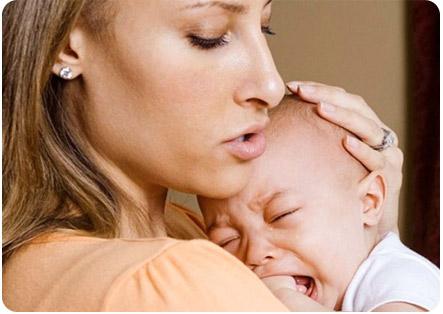 Ребенок плачет сразу после кормления грудным молоком