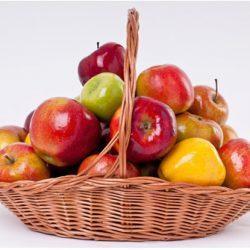 Можно ли есть яблоки кормящей матери? Или стоит ограничиться