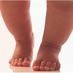 Основные причины почему ребенок ходит на носочках