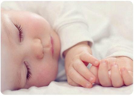 3 месячный ребенок спит сладким сном