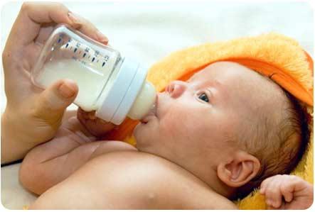 Искусственное вскармливание новорожденного ребенка