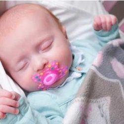 Нужно ли давать пустышку новорожденному малышу? Разновидности сосок