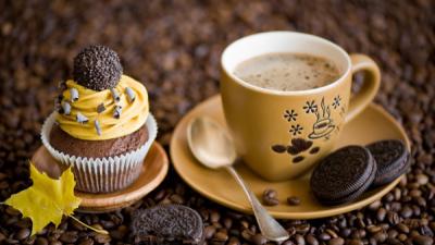 Чай, кофе, шоколад, газированные напитки - источники кофеина. Сократите их употребление в период кормления грудью