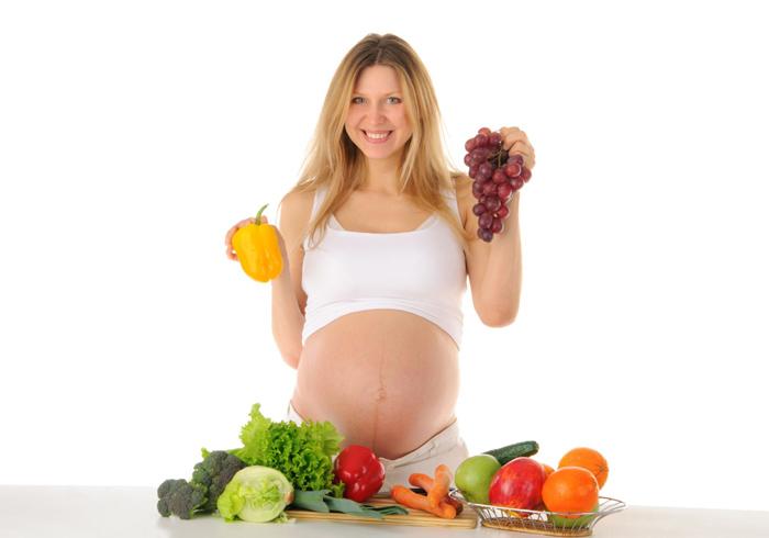 Для здоровья ребенка кушайте фрукты и овощи