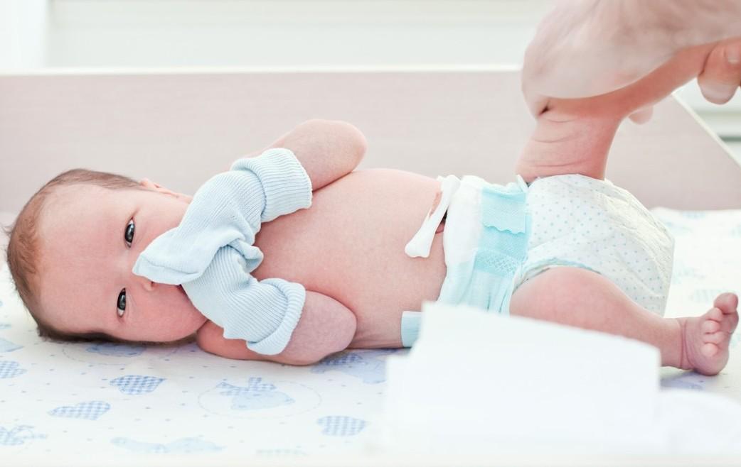 Как обрабатывать пупок новорожденного с прищепкой