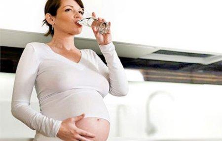 Вода полезна для беременных