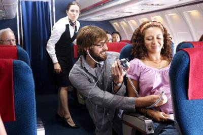 Беременная в самолете - фото