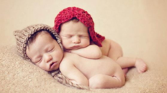 Удивительно женщина без матки родила двух близнецов