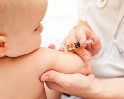 Какие прививки делают детям до года