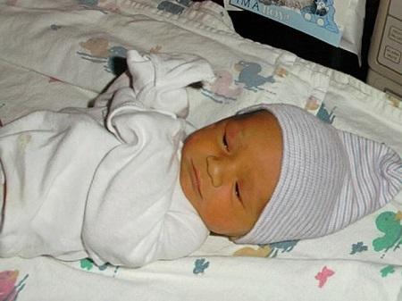 Малыш с желтушкой
