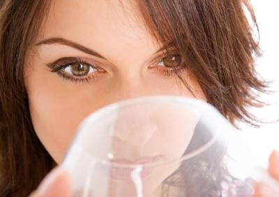 От рождения до двух месяцев запрещены любые газированные напитки