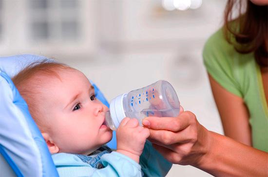 Потребность в питье вызывает у ребенка появление икоты
