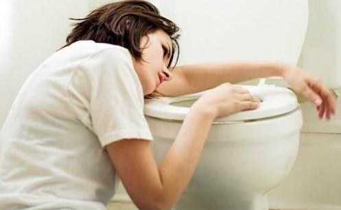 При среднем токсикозе тошнота от 10 раз в сутки