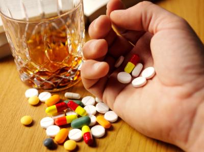 Прием большого количества медицинских препаратов также приводит к замершей беременности