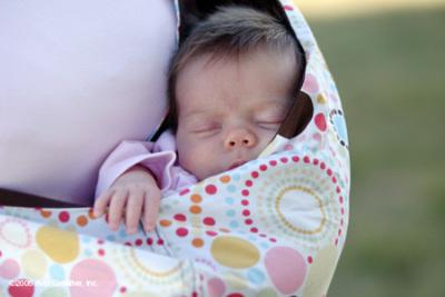 Слинг поможет малышу успокоиться