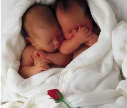 Советы для рождения девочек-двойняшек