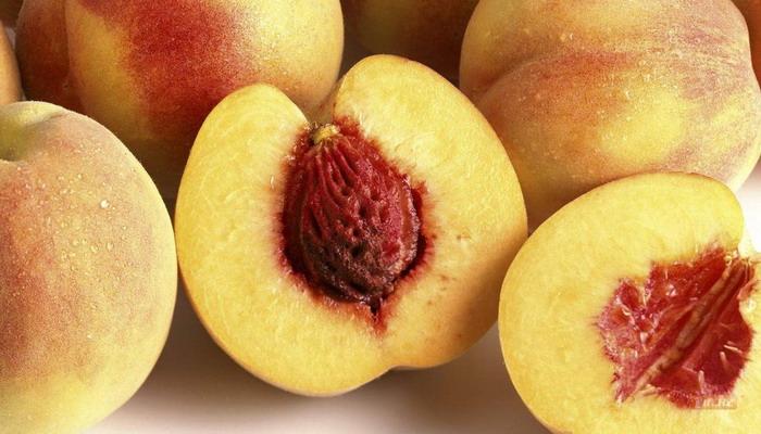 Внимательно смотрите на косточки в персике