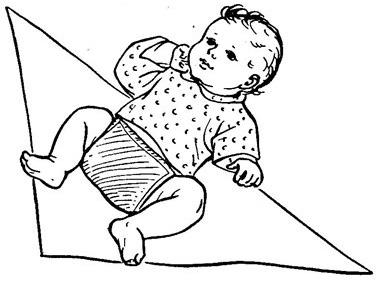 Кладем малыша на подгузник