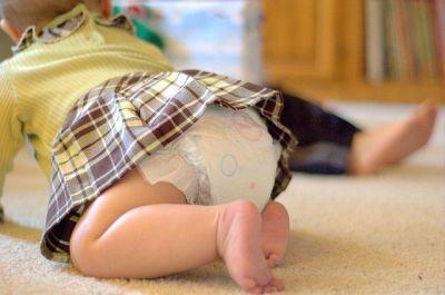 Если ребенок не подает признаков недомогания, консистенция стула остается мягкой и жидкой, а сами испражнения выходят без существенных осложнений, поводов для беспокойства также нет