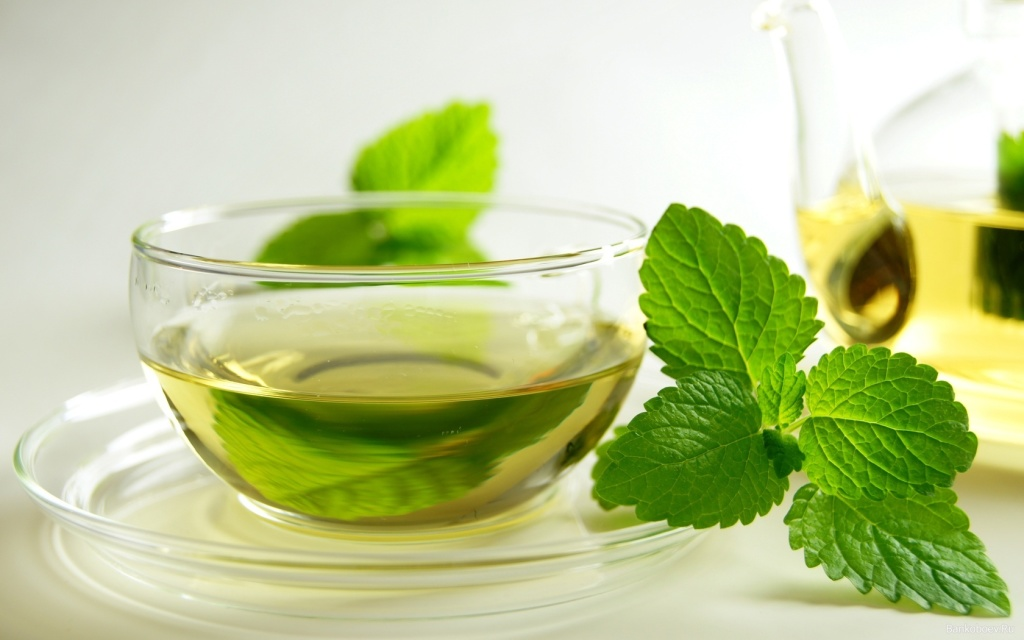 Чай с листьями смородины и мяты