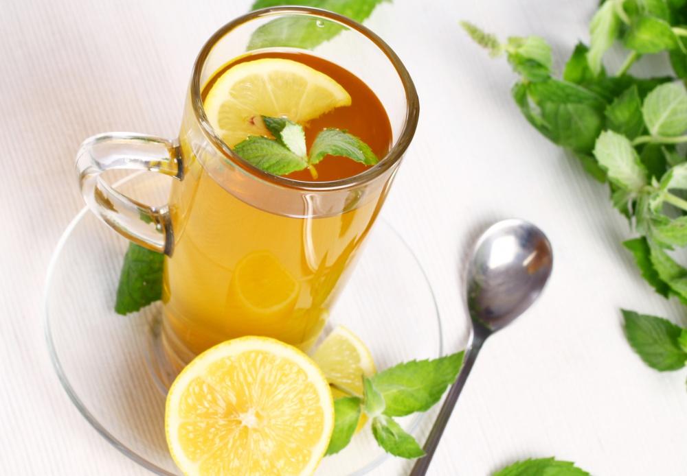 Чай с мятой и лимоном в борьбе с токсикозом