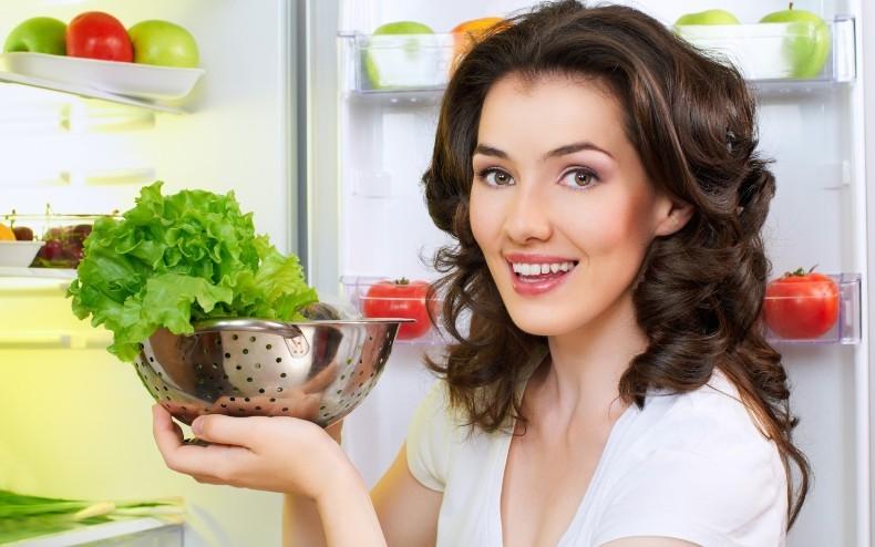 Как сохранить свежесть салатных листье в холодильнике
