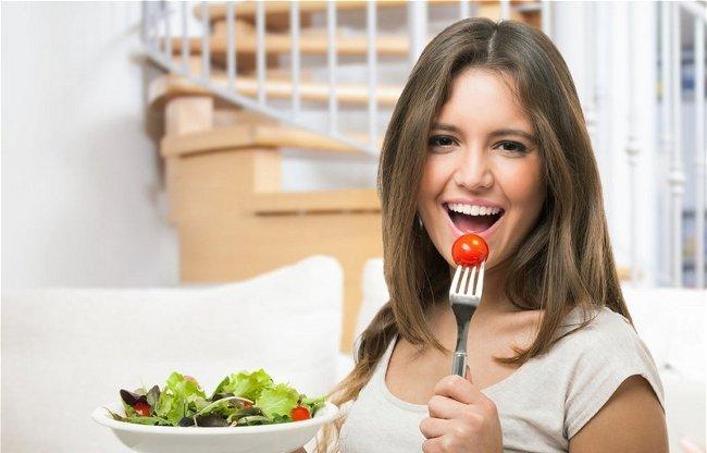 Как вводить листья салата в свой рацион при грудном вскармливании