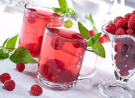 Малиновый чай снабдить организм матери полезными веществами