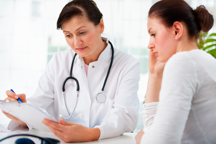 При угрозе выкидыша незамедлительно обратитесь ко врачу