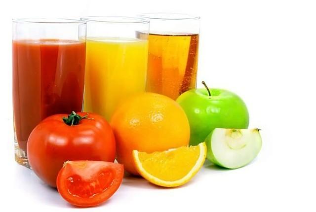 Для профилактики нужно употреблять свежевыжатые соки