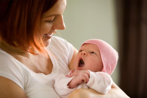 Малыш может плакать из-за отсутствия мамы