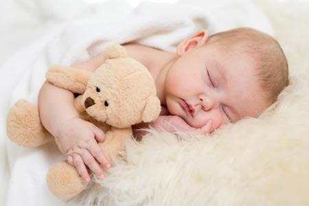 Норма сна для пятимесячного ребёнка – 14 часов в день