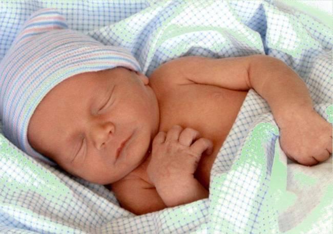 Новорожденный кряхтит во сне причины