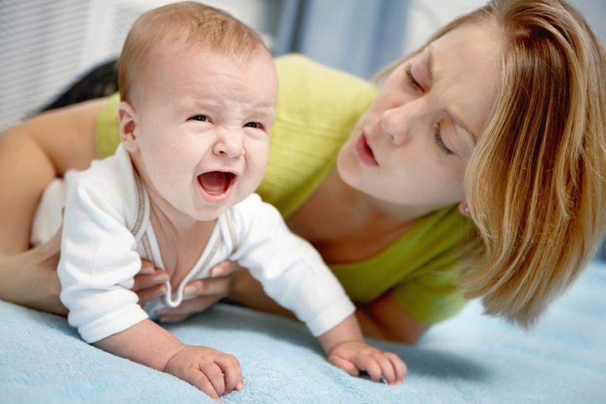 При болях в животе у ребенка обратитесь к врачу