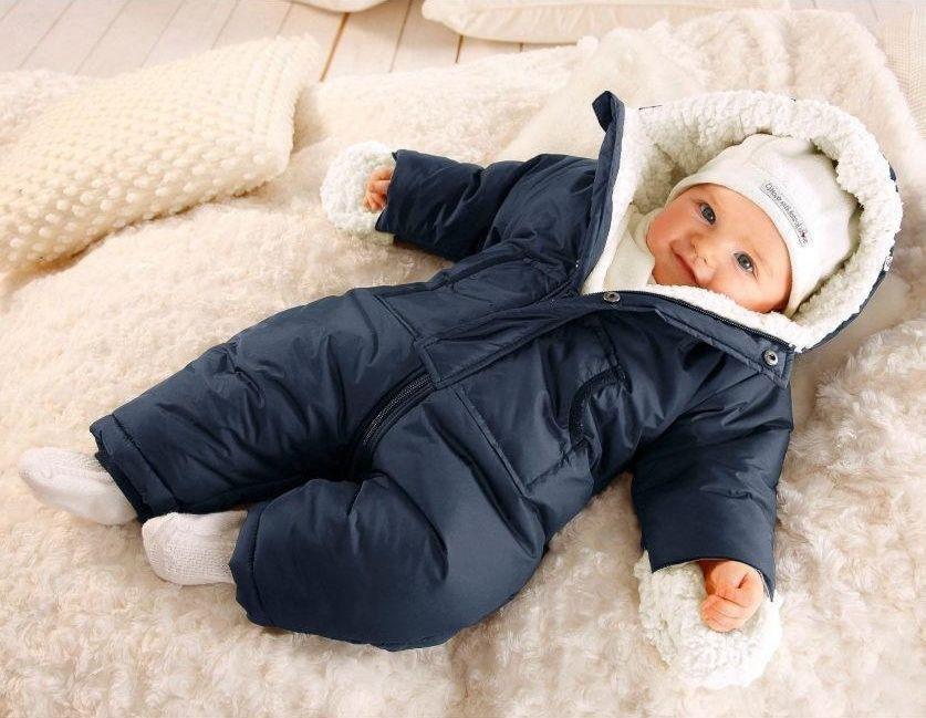 Зимний комбинезон для младенца