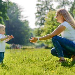 Если малыш боится ходить: советы родителям