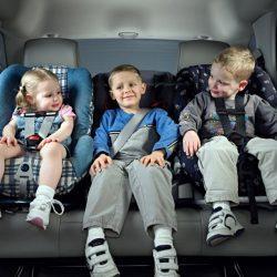 Буква закона: до какого возраста нужно детское автокресло