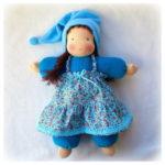 Вальдорфская одетая кукла
