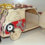 Бизиборд объёмный в виде машины